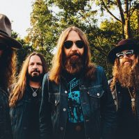 "Blackberry Smoke's ""Like An Arrow"" Hits #1 in Country"