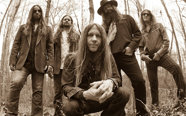 "Charlie Starr Says New Blackberry Smoke is Not Like The ""Crap"" On Country Radio"