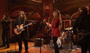 Chris Stapleton playing Saturday Night Live with Dave Cobb, Morgane Stapleton, Mickey Raphael