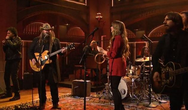 Chris Stapleton playing Saturday Night Live with Dave Cobb, Morgane Stapleton, Mickey Raphael