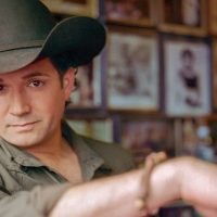 """Tracy Byrd Returns After 10 Years with """"All American Texan"""" (review)"""