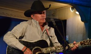 george-strait-gruene-hall-3