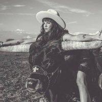 Nikki Lane, Brent Cobb & Robert Ellis Team Up for Stagecoach Tour
