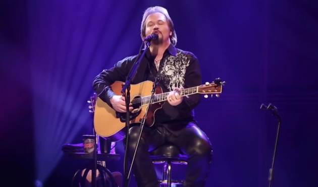 "All Travis Tritt Needs is ""A Man and His Guitar"" to Make Audio Gold"