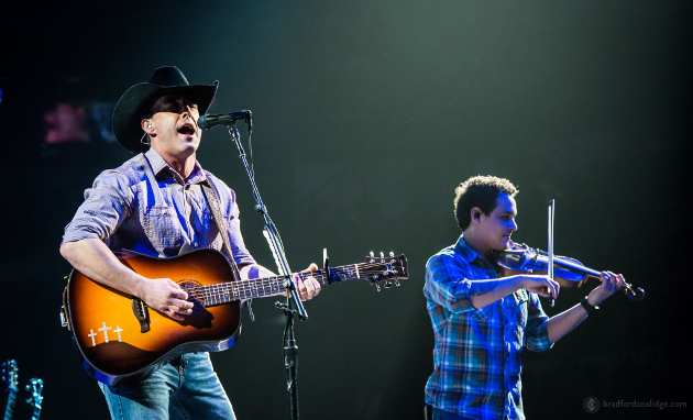 Aaron Watson Takes Center Stage at the San Antonio Rodeo (Photos)