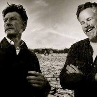 """Lyle Lovett and Robert Earl Keen's """"This Old Porch"""" Could Be Immortalized in Bronze"""
