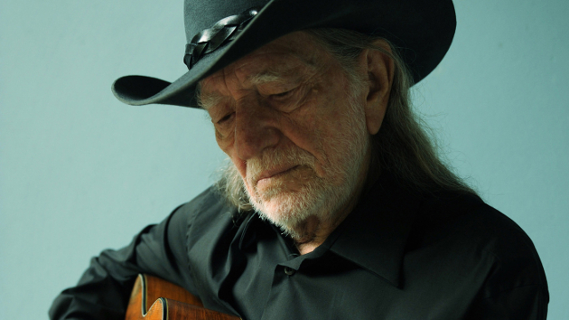 Willie Nelson Unexpectedly Leaves Stage in Texas, Returns to Finish Show