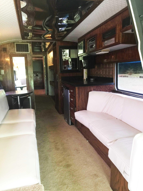 Loretta Lynn S Vintage Eagle Tour Bus Up For Sale Saving Country Music