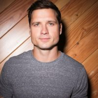 "No Seriously, Walker Hayes' ""You Broke Up with Me"" is the Worst 'Country' Song Ever"