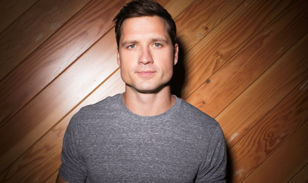 Seriously, How Dudebro is This Walker Hayes Guy?