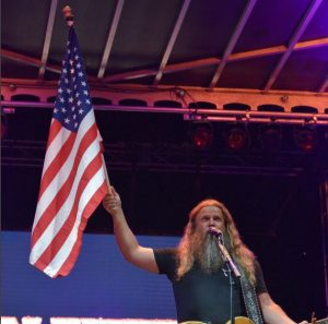 jamey-johnson-american-flag