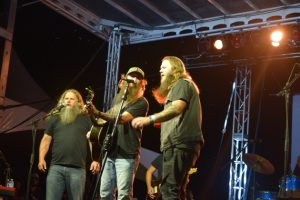 Jamey Johnson and Whitey Morgan sing with Cody Jinks