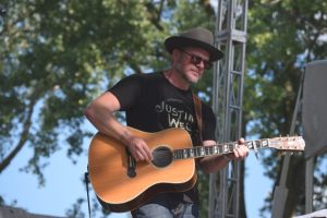 Jason Eady repping Justin Wells.