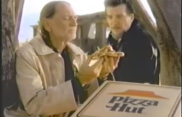 willie-nelson-pizz-hut