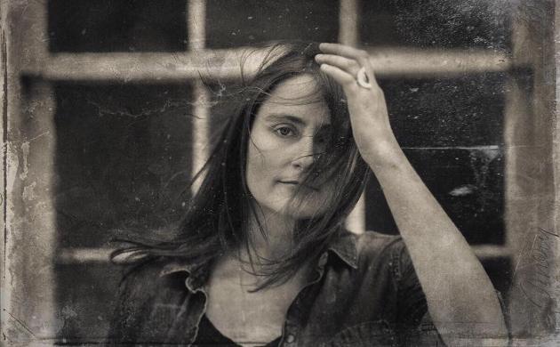 "Erin Enderlin Talks New Jamey Johnson-Produced Album ""Whiskeytown Crier"""