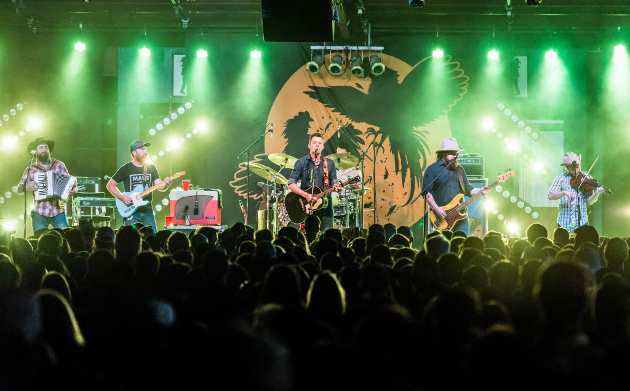 Turnpike Troubadours Cancel Shows After Undisclosed Personal Issue
