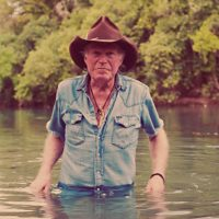 Billy Joe Shaver Falls, Smashes Face, Hospitalized – Still Makes Show in Long Beach