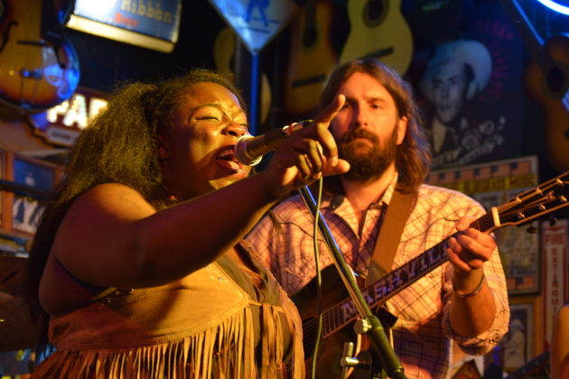 """Yola Carter stole the show as she belted out renditions of """"Pancho & Lefty"""" and """"Two More Bottles of Wine."""""""