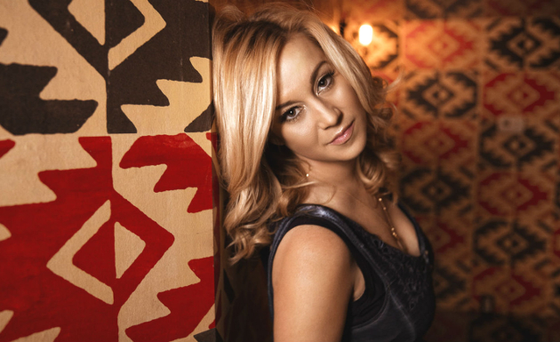 "Song Review – Kellie Pickler's ""If It Wasn't For a Woman"""