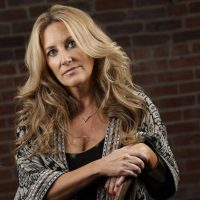 "Lee Ann Womack: ""Country Radio Right Now Is NOT Real Country"""