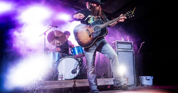 Cody Jinks Performs For Veterans Amp Sutherland Springs Hero Ahead Of Recording New Album Saving