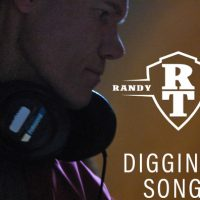 "The Randy Travis ""Diggin' Up Songs"" Spotify Playlist is Total Garbage"