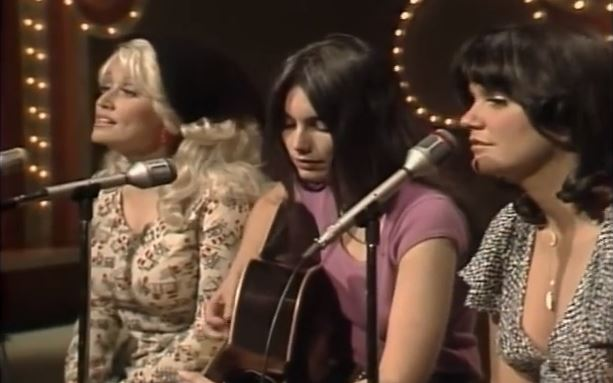 Dolly Parton, Emmylou Harris, Linda Ronstadt Trio to Receive Distinction in  Hollywood | Saving Country Music