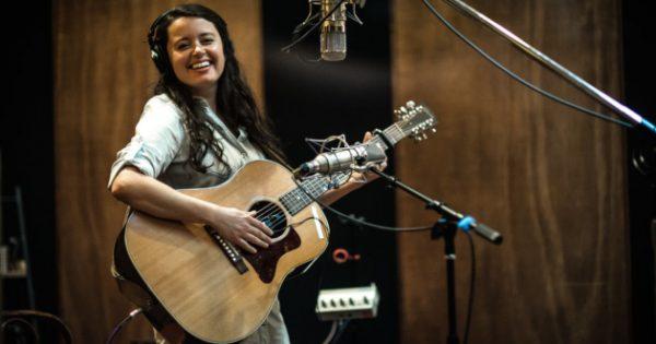 "Album Review – Emily Scott Robinson's ""Traveling Mercies"""