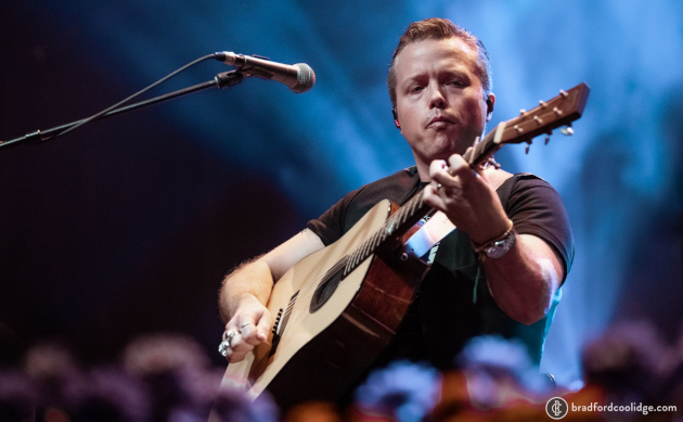 Jason Isbell The 400 Unit Play Rare Acoustic Set At Old Settler S Saving Country Music
