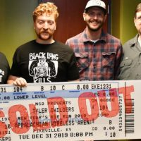 tyler-childers-sold-out-show-appalachian-wireless-arena